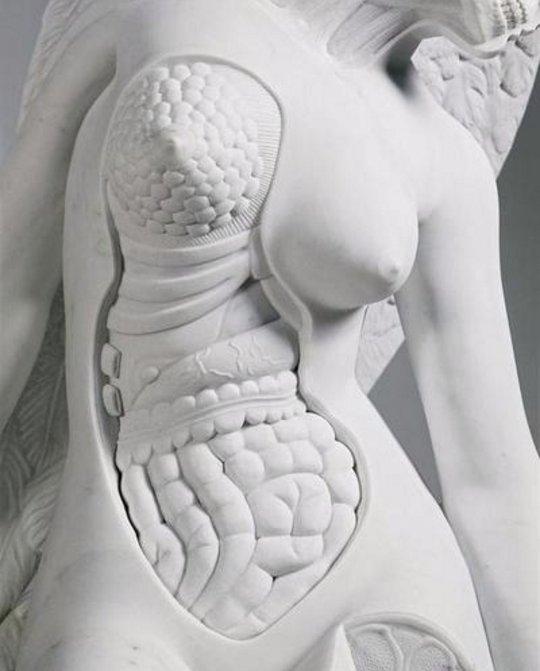 Corpo Branco estátua interno